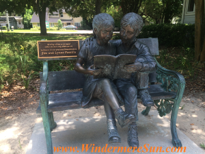 Windermere Library 2-reader statue (credit: Windermere Sun-Susan Sun Nunamaker)
