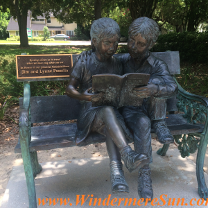 Windermere Library 2-reader statue (credit: Windermere Sun-Susan Sun Nunamaker)
