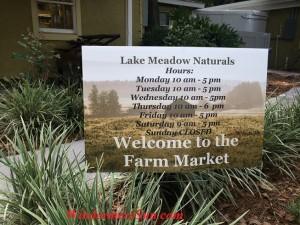 Open Hours of Farm Market of Lake Meadow Naturals in Ocoee, FL (photographed by Windermere Sun-Susan Sun Nunamaker)