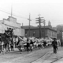 Chinese New Year-Chinese_dragon,_Seattle,_c._1909 unknown photographer