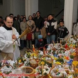 Easter-Blessing of Easter Foods in Poland, WSD Ołtarzew, www.wsdsac.pl Author Blazej Benisz