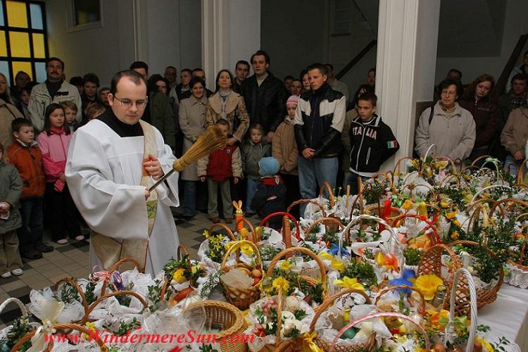 Easter-Blessing of Easter Foods in Poland, WSD Ołtarzew, www.wsdsac.pl Author Blazej Benisz final