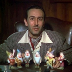 Walt_Disney_Snow_white_1937_trailer_screenshot_public domain