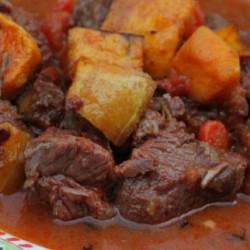 Cooked organic beef stew (credit: farmfreshdirect2u.com)