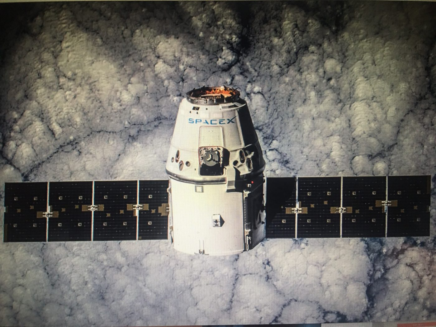 CRS5 Dragon in Orbit