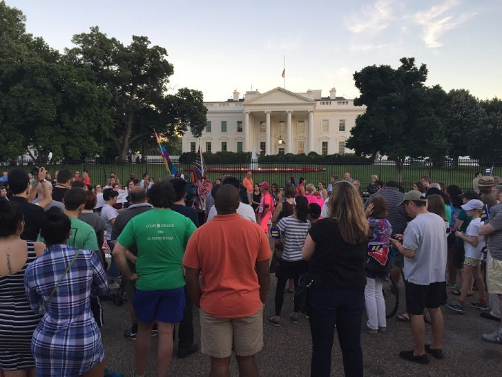 Orlando Vigil in front of the White House (credit: UNA-Orlando, chapter president Dave O'Connor)