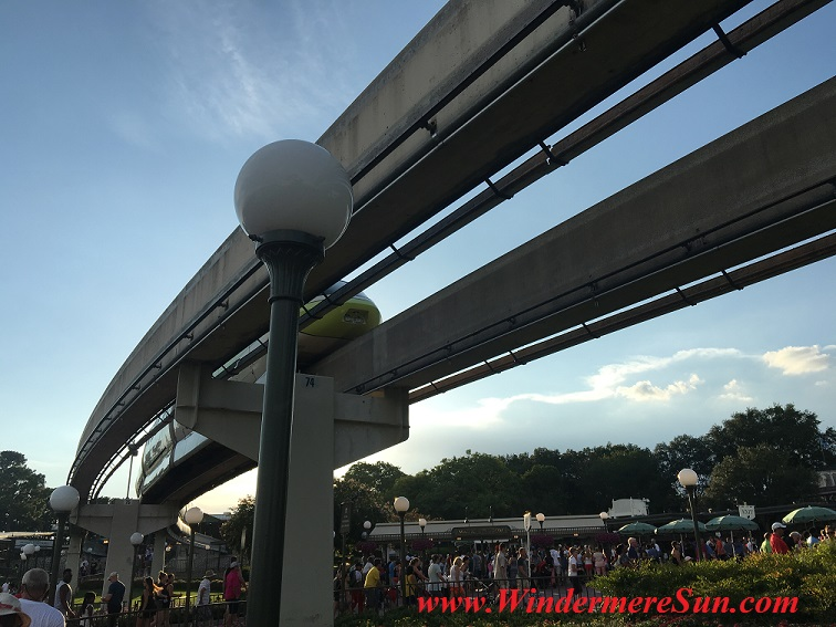 Disney-MagicKingdom-Monorail final
