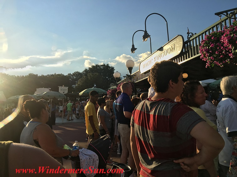 Disney-MagicKingdom entrance July4, 2016 final