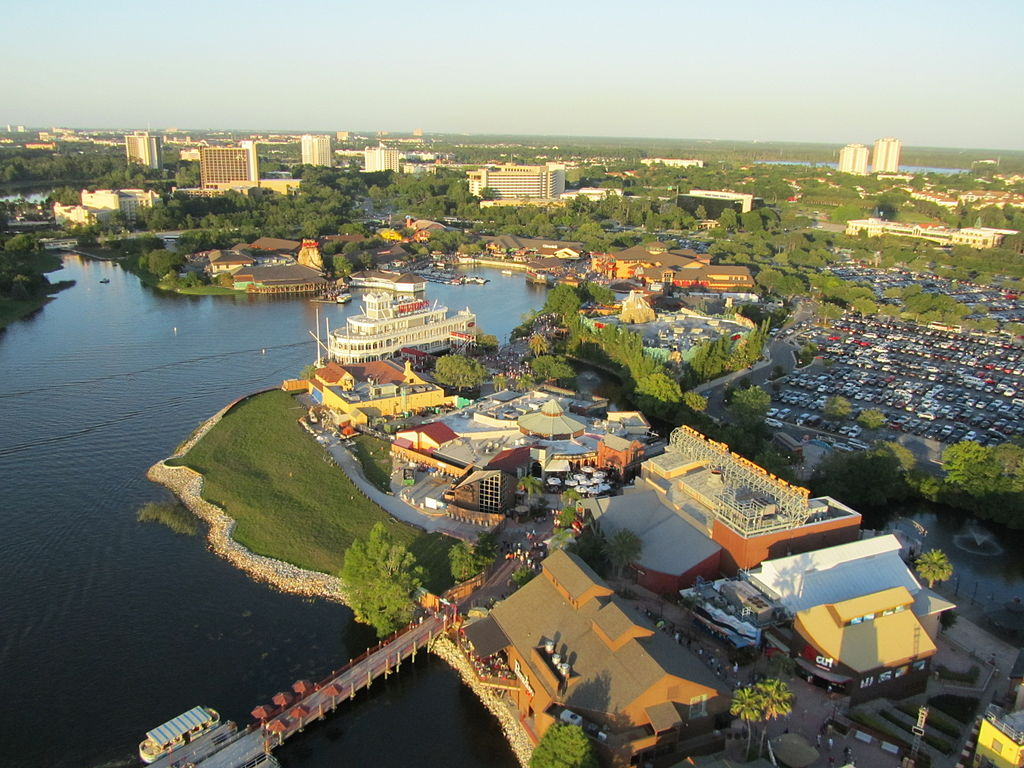 Disney Springs (Attribution-Wikimedia Commons ILA-boy.) Orlando_Florida_April_2010_13