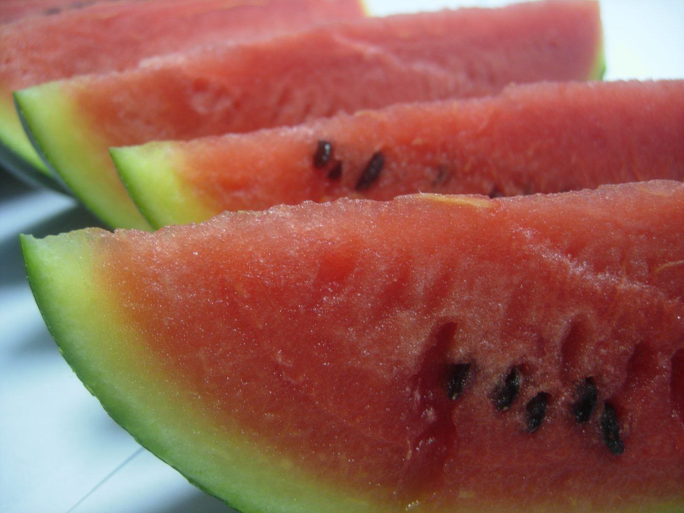 watermelon-juicy-watermelon-pieces- (credit: kudla jana)