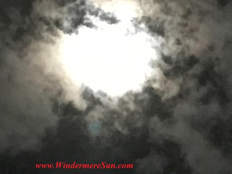 Supermoon (credit: Windermere Sun-Susan Sun Nunamaker)
