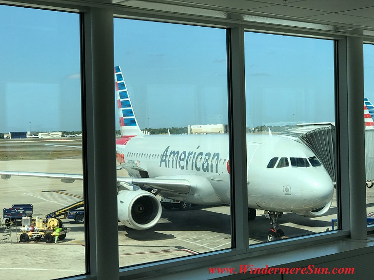 American Airline plane seen from Admirals Club level 1 final