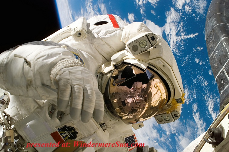 astronaut, sky-earth-space-working final