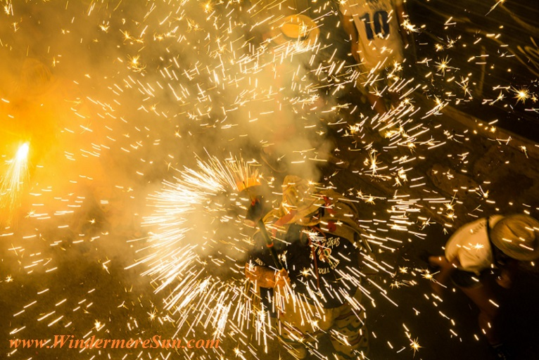 fireworks i action, pexels-photo-266430 final