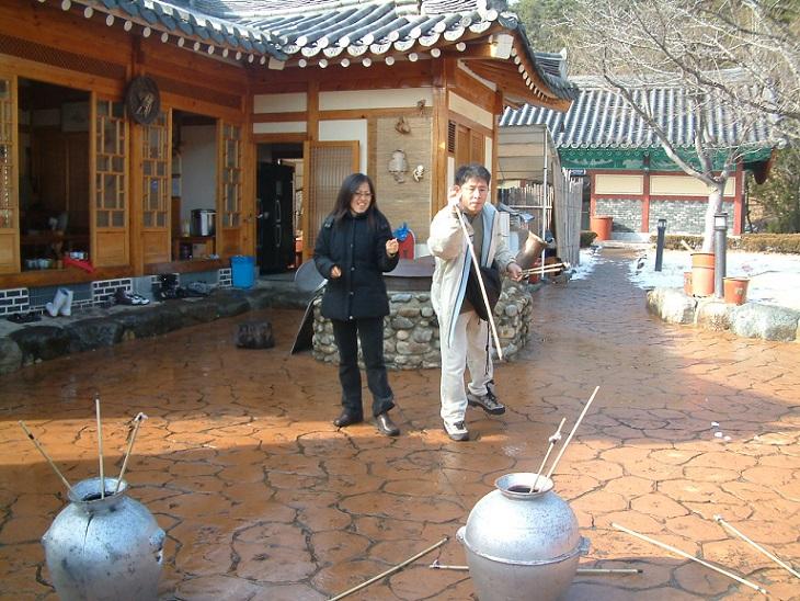 Chinese New Year-Korea_Traditional_Game_Tuho by Kang Byeong Kee final