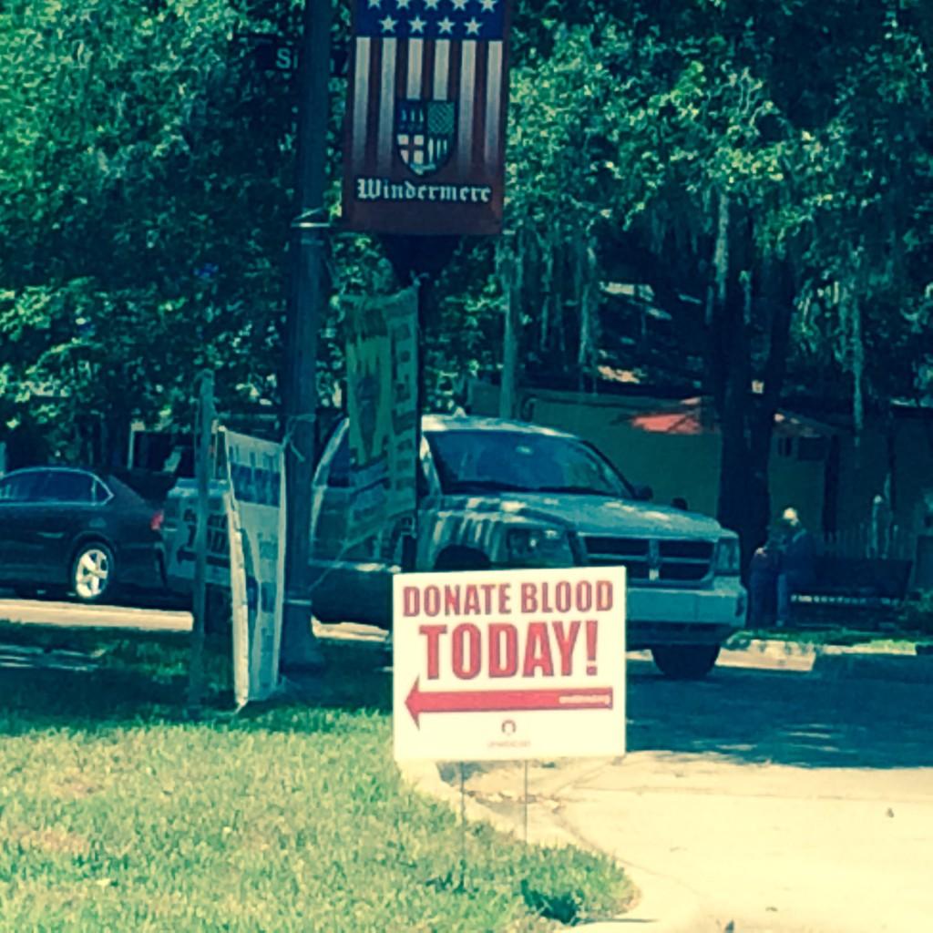 Blood Drive Sign on Friday, May 16, 2014 (credit: Windermere Sun-Susan Sun Nunamaker)