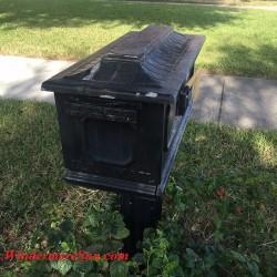 Mailbox Painting Service Needed1 (credit: Windermere Sun-Susan Sun Nunamaker)
