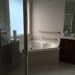Master en suite bathroom, with double sinks, bath tub, and shower. Master bedroom has 2 walk-in closets. (photo credit: Windermere Sun-Susan Sun Nunamaker)