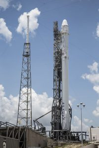 SpaceX-Falcon_9_carrying_CRS-7_Dragon_on_SLC-40_pad