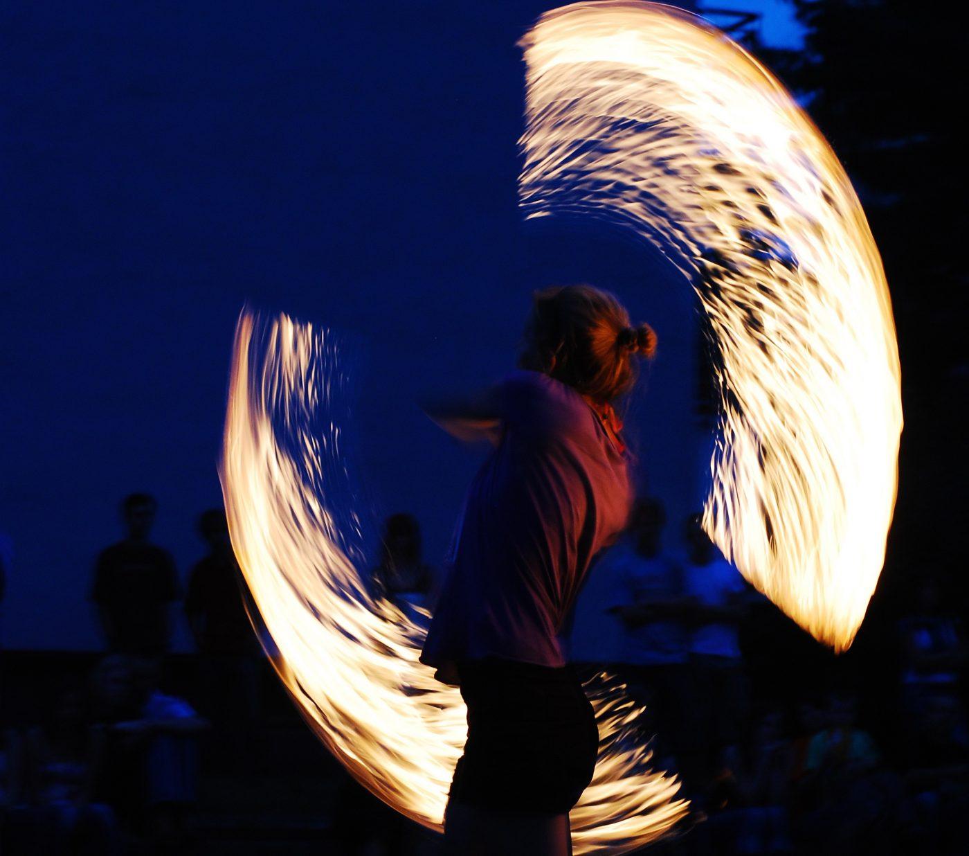 fire-dancing-photographer-janusz Gawron