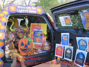 halloween-trunk-or-treating-halloween-tailgating-event-held-at-st-john-lutheran-church-early-learning-center-in-Darien, IL (by Director Jan Hardy)